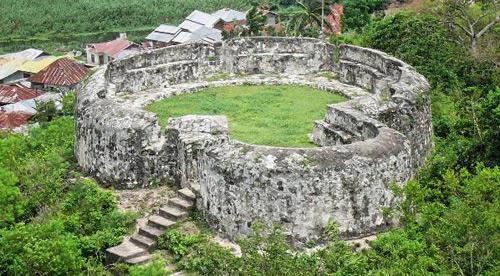Indahnya Indonesiaku Wisata Sejarah Ketangguhan Benteng Otanaha Gorontalo Kab