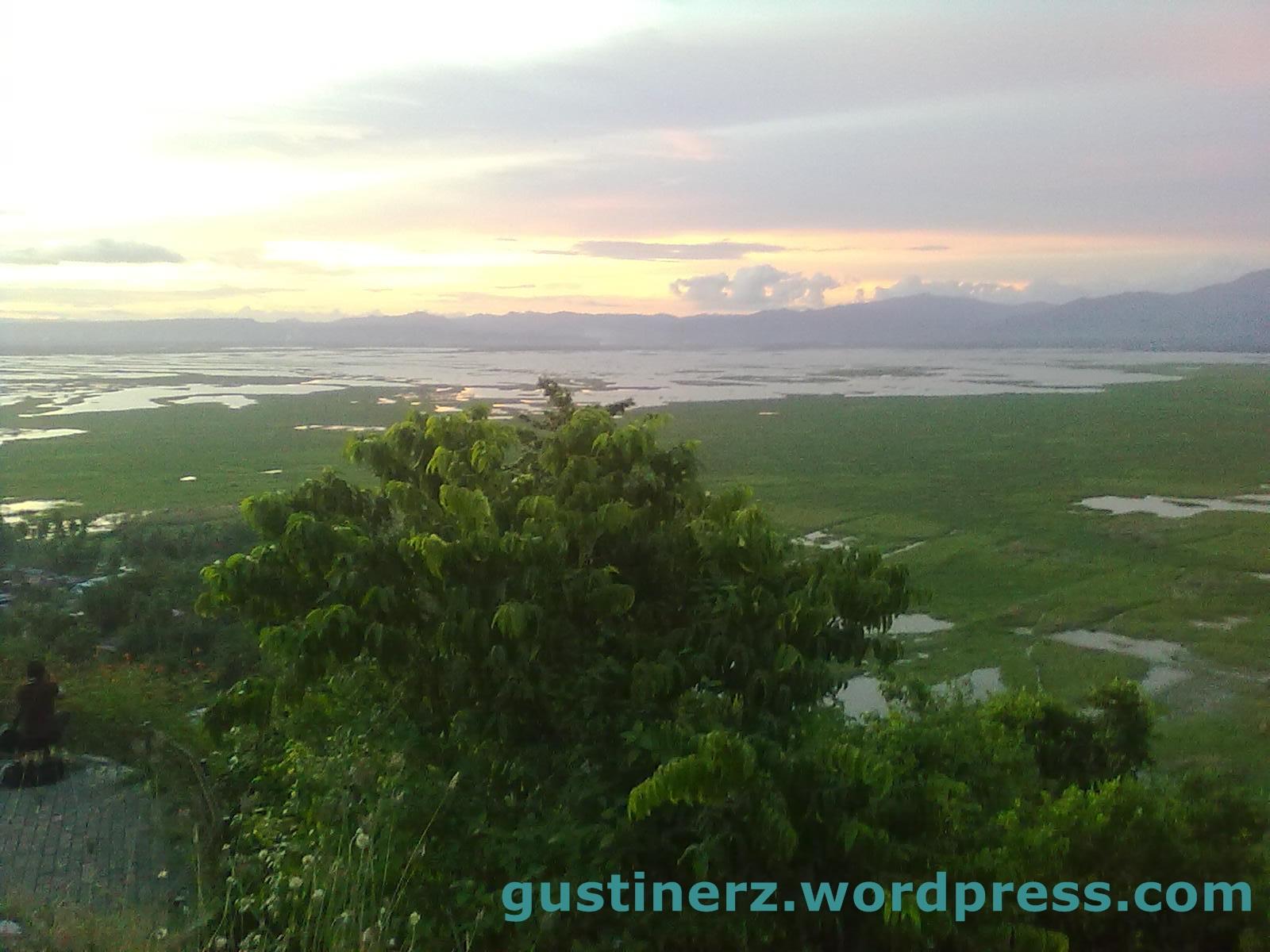 Menikmati Keindahan Danau Limboto Pegunungan Benteng Gustinerz Otanaha Kab Gorontalo