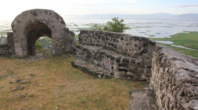 Sistem Registrasi Nasional Cagar Budaya Benteng Otanaha Kab Gorontalo