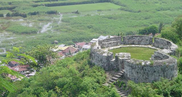 Sumber Tempat Wisata Gorontalo Benteng Otanaha Kab