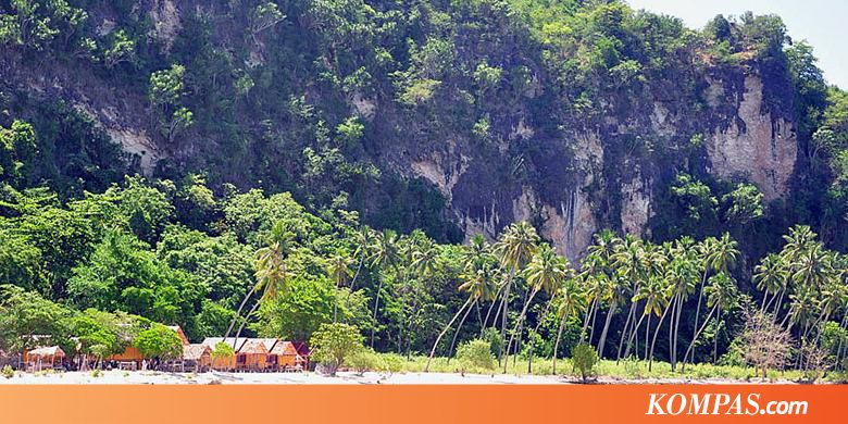 Wisata Alam Terbuka Pantai Biluhu Kompas Benteng Otanaha Kab Gorontalo