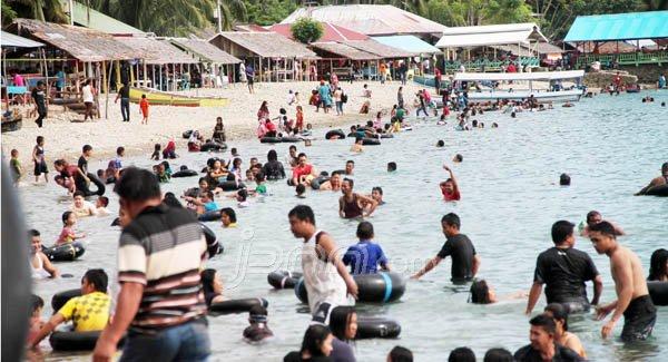 Wisata Gorontalo Rekan Pantai Botutonuo Terletak Desa Botutonnuo Kabupaten Bone