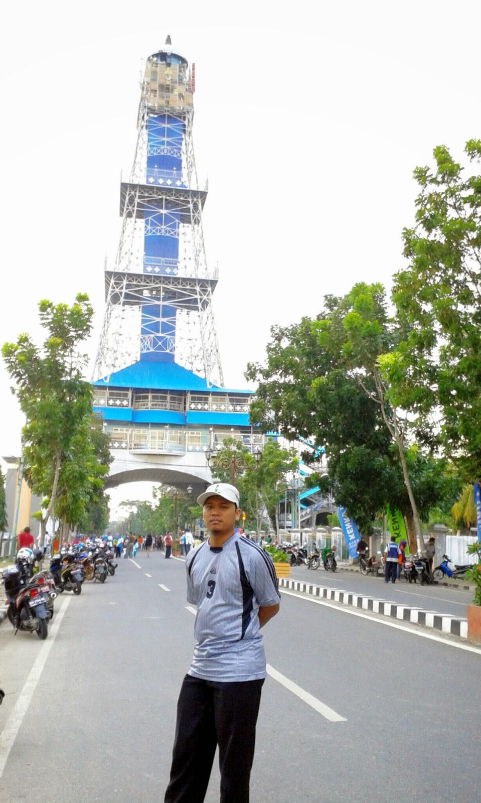 Eiffel Gorontalo Monice Family Husband Pakaya Tower Limboto Kab