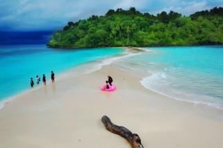 Ekonomi Pariwisata Antara News Gorontalo Melihat Keindahan Pasir Putih Pulau