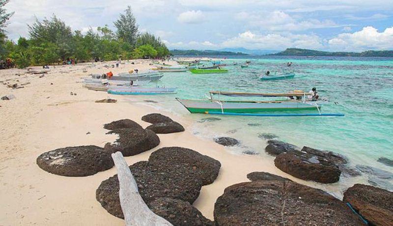 Pantai Karang Citra Berdasarkan Interpretasi Landsat Diperoleh Luasan Terumbu Perairan