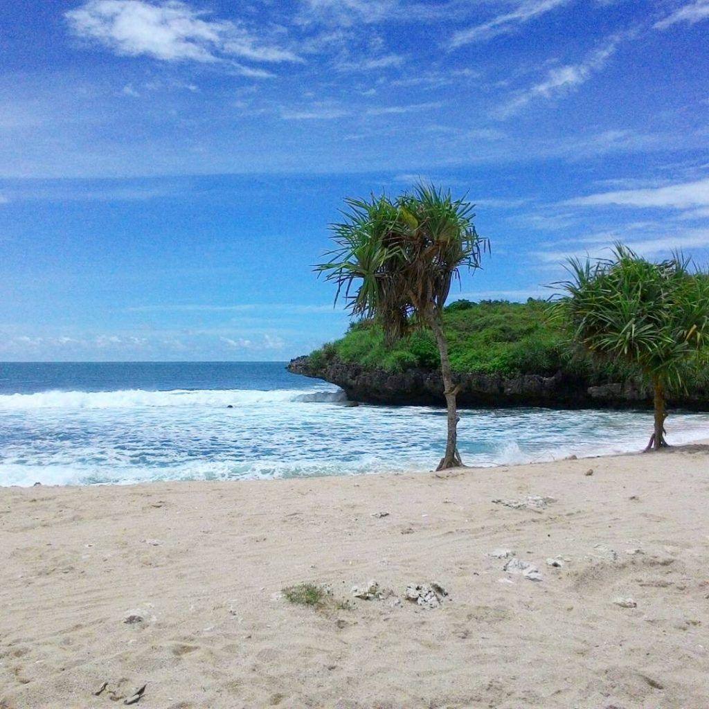 Pantai Krakal Berselancar Pasir Putih Yogyakarta Leato Kab Gorontalo