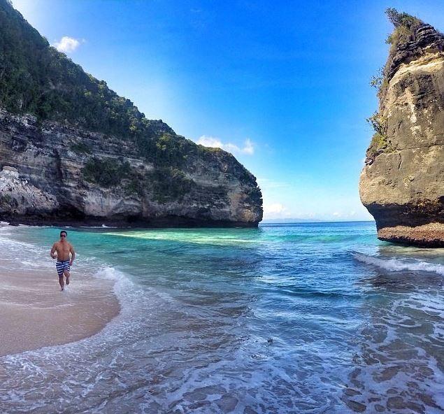 Pantai Suwehan Beach Nusa Penida Objek Wisata Bali Pasir Putih
