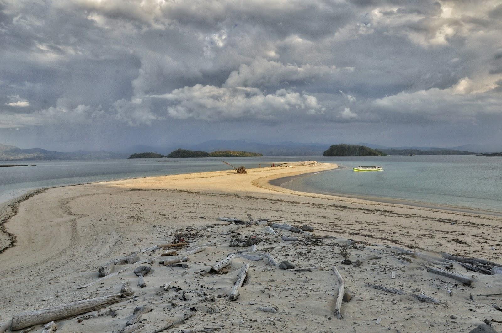 Pulau Bogisa Gorontalo Utara Kakigatal Berada Disebelah Saronde Perairan Sulawesi