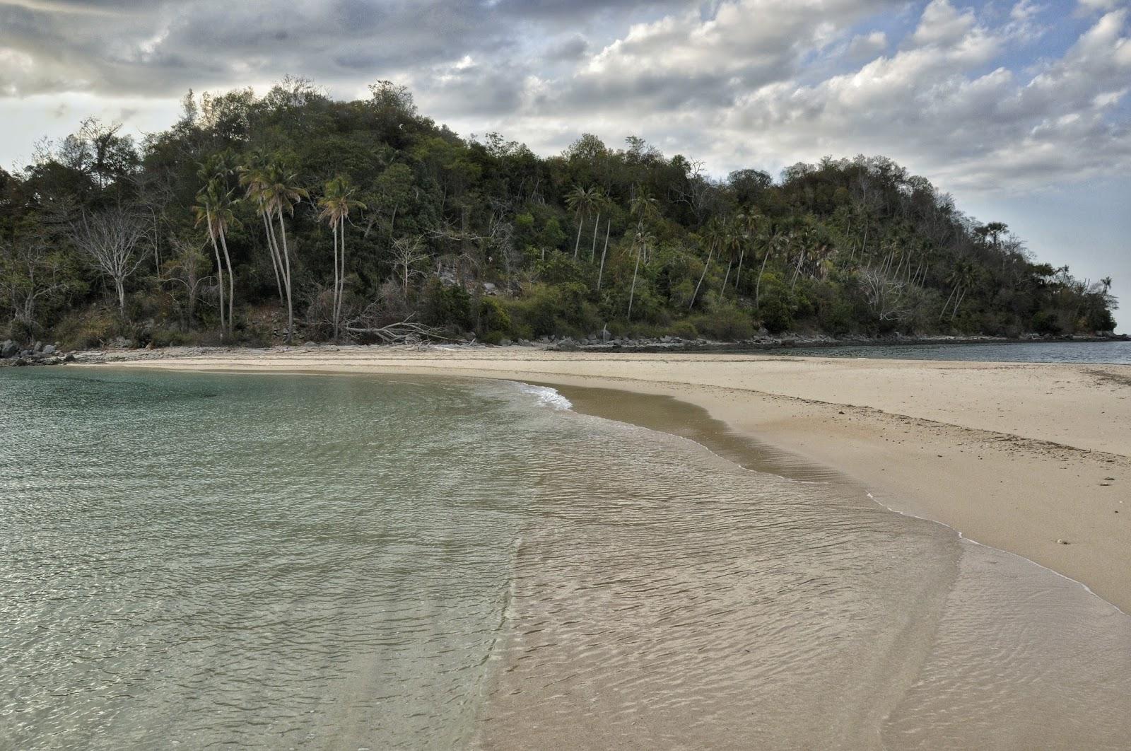 Pulau Bogisa Gorontalo Utara Kakigatal Zain Baladraf Pantai Pasir Putih