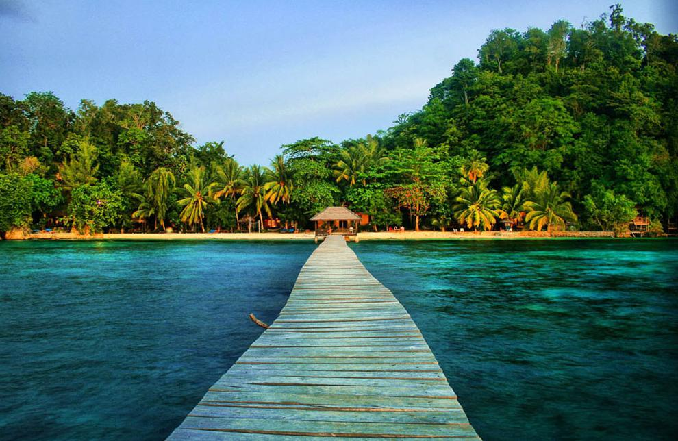 Keindahan Tersembunyi Teluk Tomini Sulawesi Tengah Pulau Kadidiri Jpg Kab