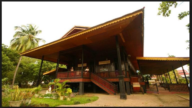 10 Tempat Wisata Populer Gorontalo Sulawesi Indah Rumah Adat Kab