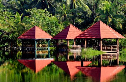 14 Tempat Wisata Gorontalo Layak Dikunjungi Indah Mempesona Tepian Danau