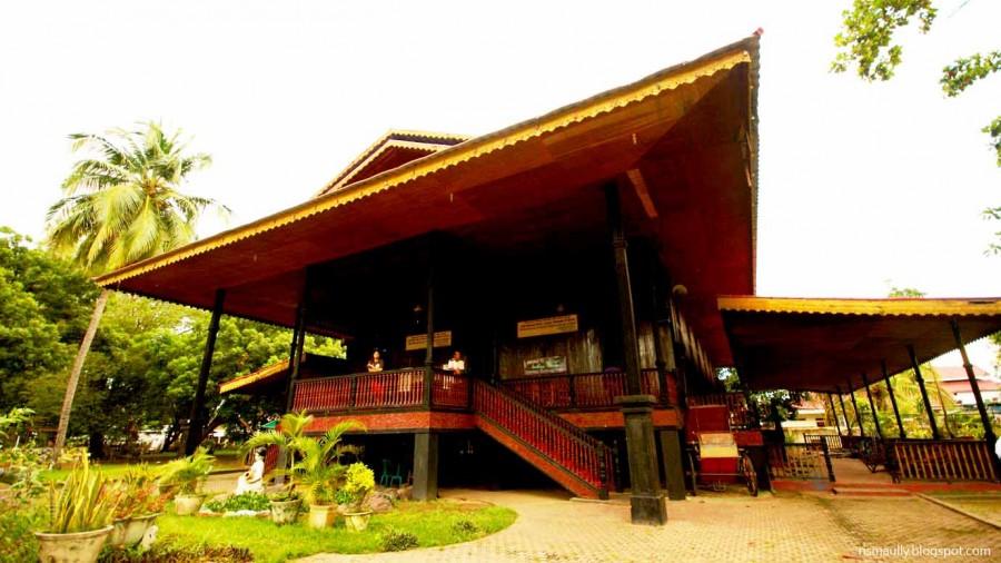 2 Gaya Unik Rumah Adat Khas Gorontalo Satu Jam Wisata