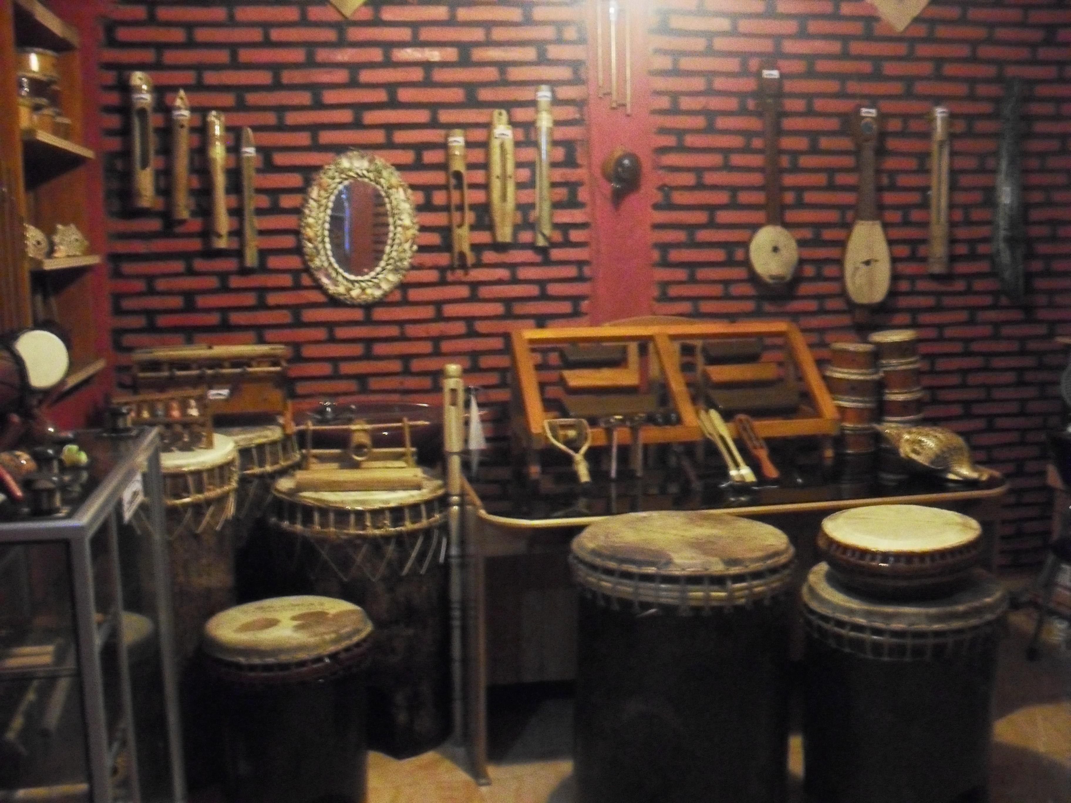 Alat Musik Tradisonal Daerah Gorontalo Dinas Pariwisata Wisata Rumah Adat