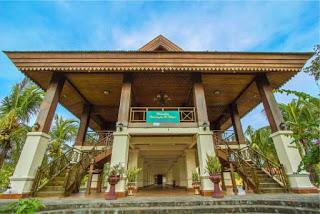 Budaya Gorontalo Colour Indonesia Doluhapa Rumah Adat Digunakan Tempat Bermusyaarah