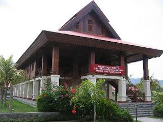 Rumah Adat Gorontalo Doloupa Bumi Nusantara Dolohupa Sebutan Nama Lain