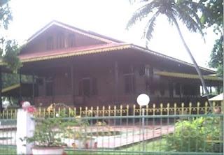 Rumah Adat Gorontalo Doloupa Bumi Nusantara Wisata Kab