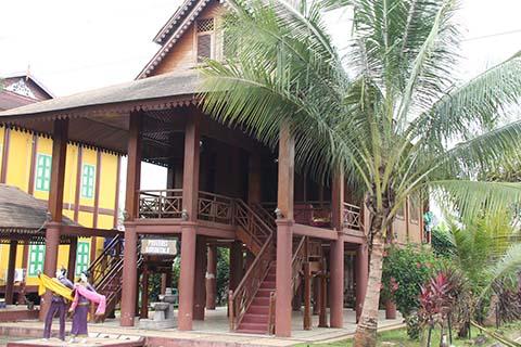 Taman Mini Indonesia Indah Anjungan Gorontalo Wisata Rumah Adat Kab