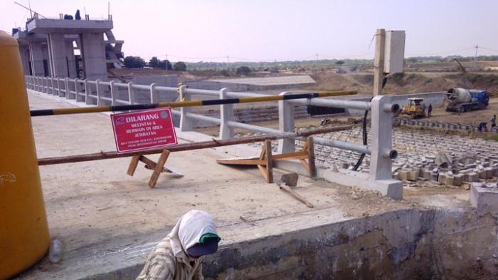 Bendungan Bengawan Solo Gresik Tampung 7 Juta Kubik Air Surya