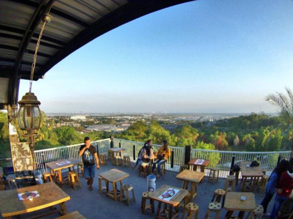 40 Tempat Wisata Gresik Memukau Pengunjung Bukit Bintang Awan Waterpark