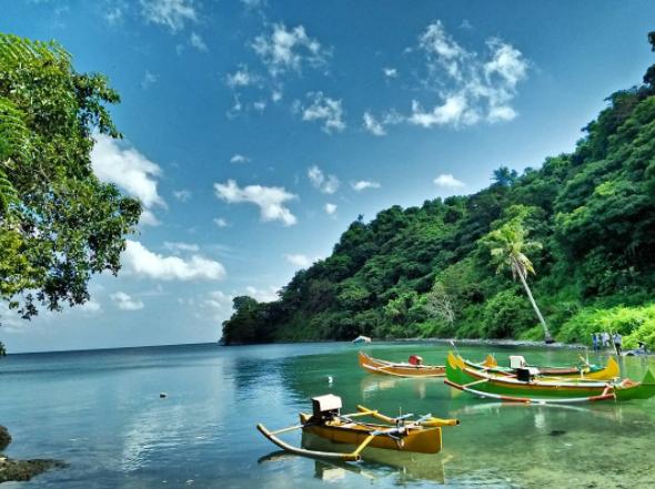 40 Tempat Wisata Gresik Memukau Pengunjung Pantai Ria Bukit Awan