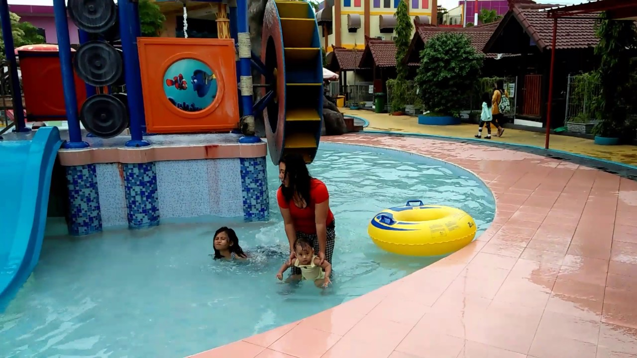 Kolam Renang Dynasti Gkb Youtube Bukit Awan Waterpark Gresik Kab