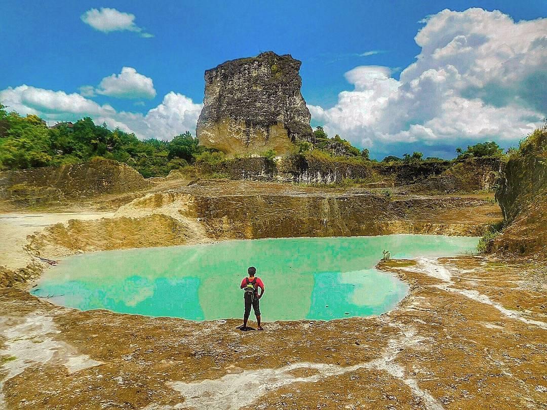 Pesona Keindahan Wisata Bukit Kapur Suci Gresik Awan Waterpark Kab