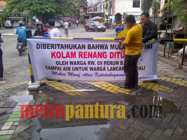 Tak Kebagian Air Warga Tutup Water Park Bukit Awan Metro