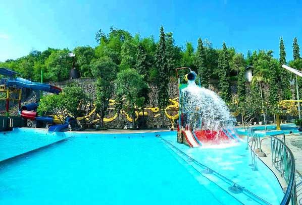 Wahana Rekreasi Wisata Bukit Awan Waterpark Gresik Kab