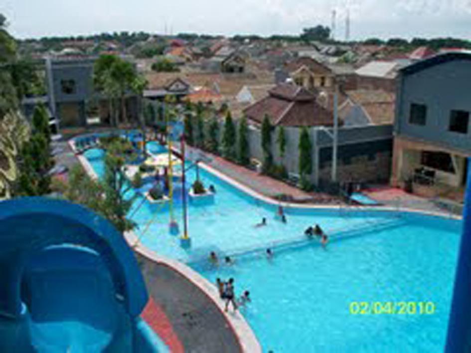 Bukit Raya Gresik Dynasty Water World Kab