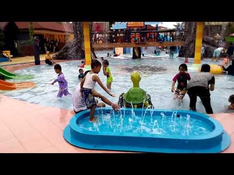 Dynasty Water World Gresik Bintang Lintang 25 Maret 2016 Mandi