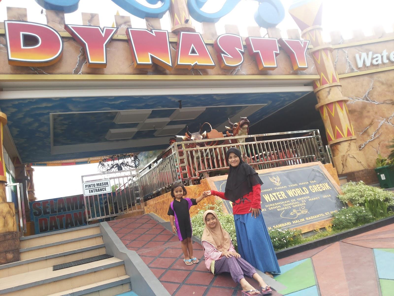 Reni Dwi Astuti Dynasty Water World Waterpark Asyik Dibandingkan Kolam