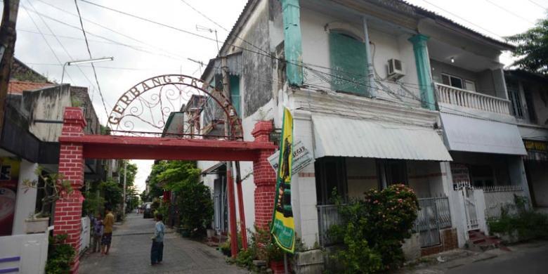 Jalan Kampung Kemasan Yuk Kompas Deretan Rumah Bergaya Arsitektur Perpaduan