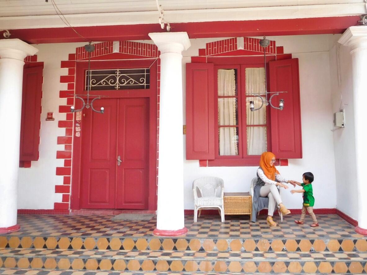 Jelajah Kampung Kemasan Santorini Ala Kota Gresik Kab