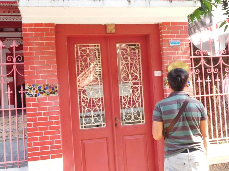 Jelajah Kampung Kemasan Santorini Ala Kota Gresik Tak Rumah Direstorasi