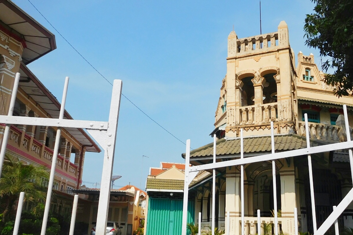 Jelajah Kampung Kemasan Santorini Ala Kota Gresik Tapi Rumah Direstorasi