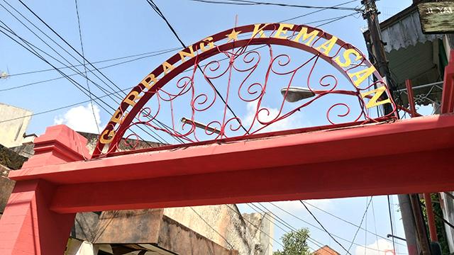 Kampung Kemasan Gresik Secuil Kota Tua Rasa Cokelat Bingung Parkir