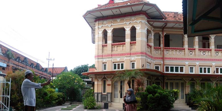 Rumah Gajah Mungkur Jadi Ikon Kampung Kemasan Gresik Kompas Kab