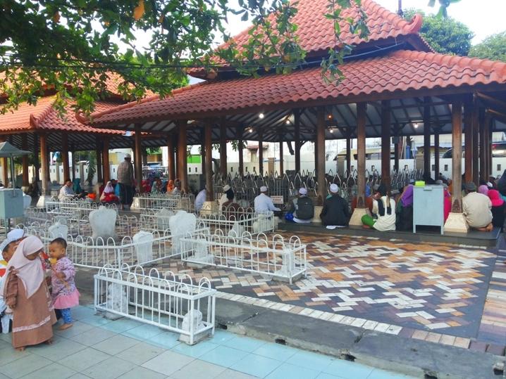 Jawa Timur Hingga Ziarah Makam Gusdur Wali Songo Menurut Nyaman