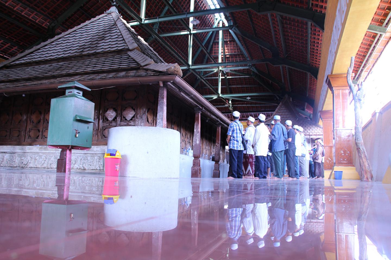 Kompleks Makam Sunan Giri Situs Bersejarah Kabupaten Gresik Cungkup Dibangun
