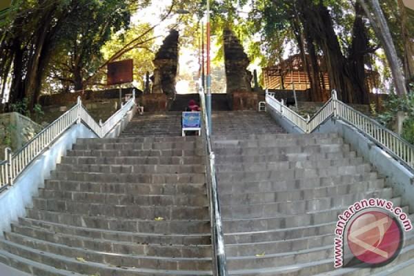 Wisata Religi Makam Sunan Giri Berwajah Antara News Jawa Timur