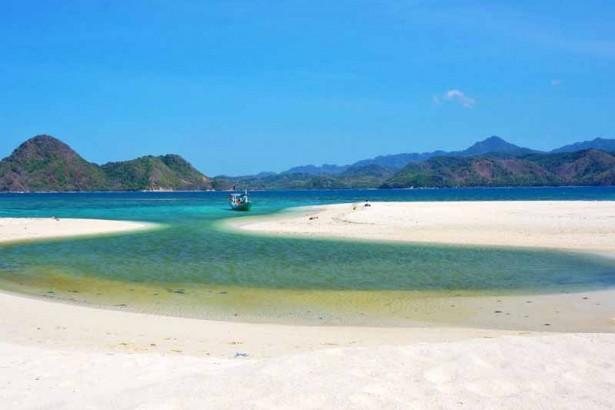 5 Obyek Wisata Gresik Patut Dikunjungi Kabupaten Pantai Dalegan Kab