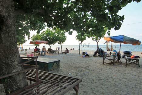 Dunia Tiatyo Pantai Kabupaten Gresik Memiliki Wisata Alam Tak Kalah