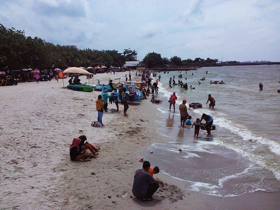 Obyek Wisata Pantai Dalegan Panceng Gresik Ceritanjung Kab