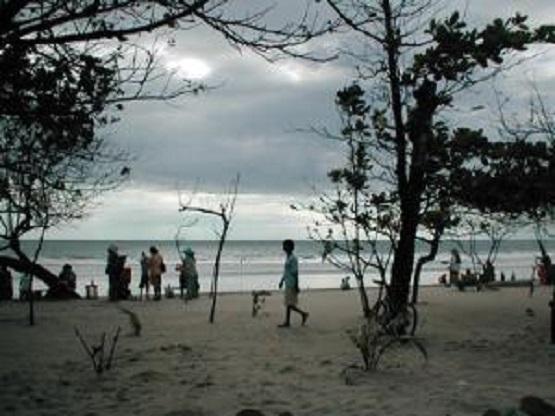 10 Pantai Terindah Gresik Eksotis Wisata Sukaoneng Kuburan Panjang Kab