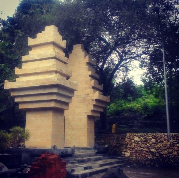 40 Tempat Wisata Gresik Memukau Pengunjung Religi Makam Sunan Prapen
