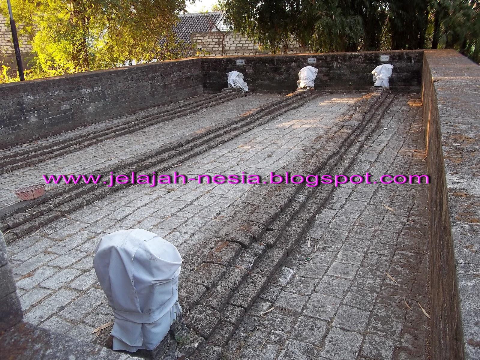 Makam Panjang 9 Meter Gresik Oleh Heri Agung Fitrianto Pantai