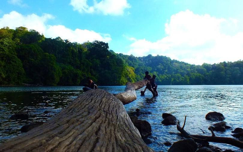 Pantai Kuburan Panjang Bawean Cektravel Info Danau Kastoba Gresik Kab