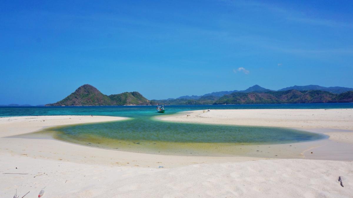 Wisata Bawean Gresik Jawa Timur Cakrawala International Tour Pulau Noko