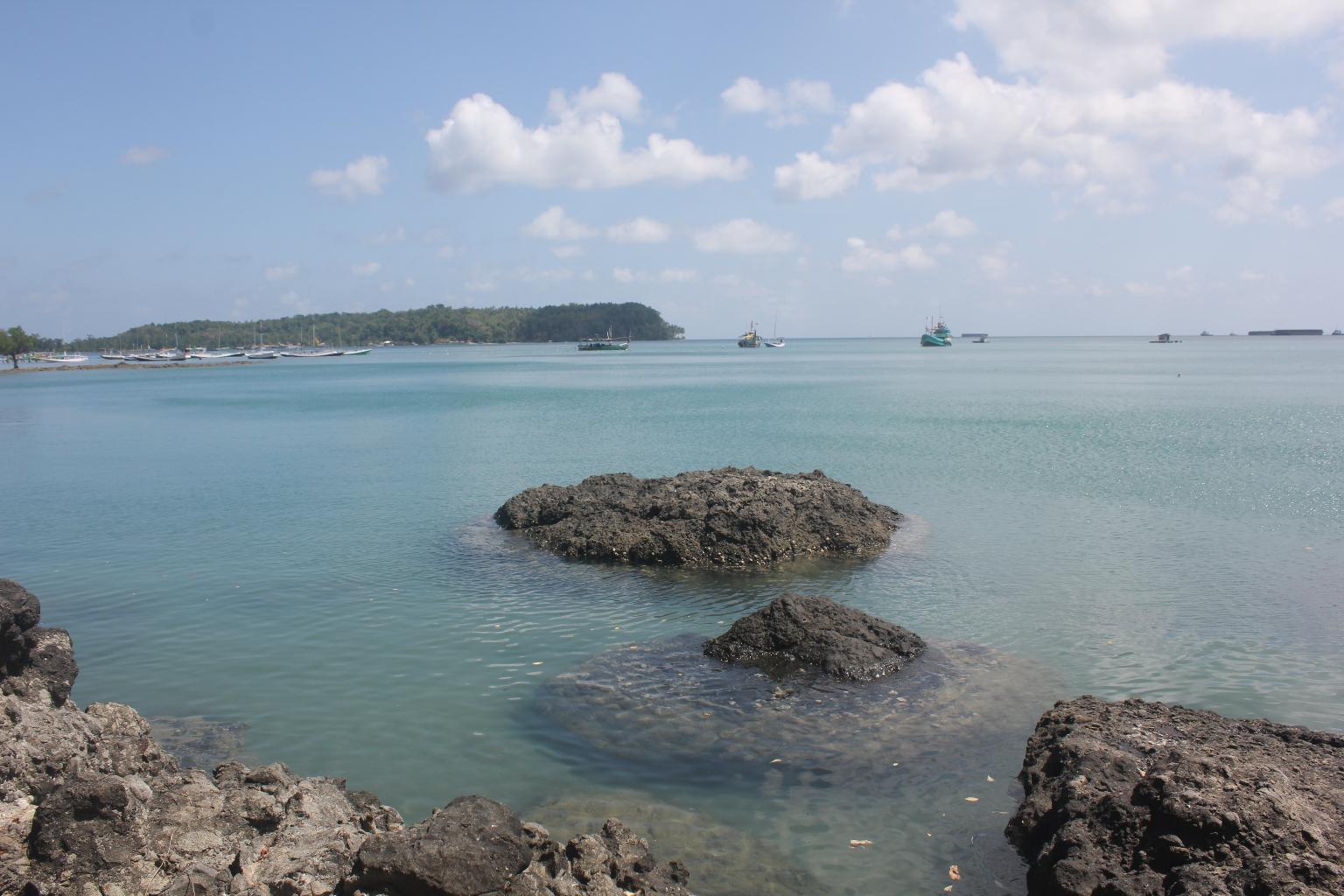 7 Pantai Terbaik Pulau Bawean Rusabawean Ria Bebatauannya Indah Mayangkara
